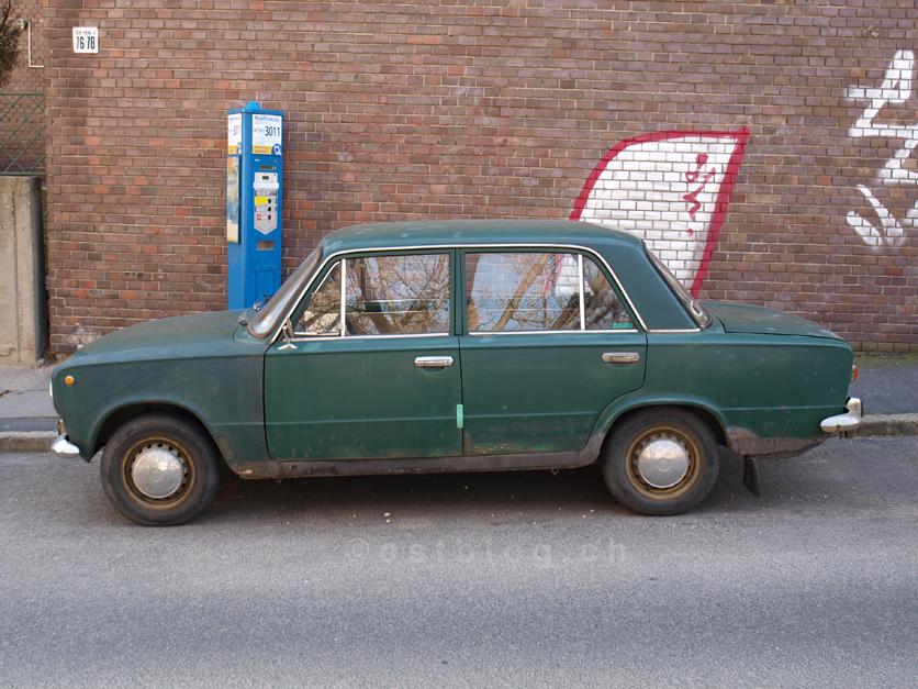 Lada in der Toldy Ferenc utca, Budapest